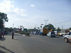 Manapakkam traffic signal on Mount-Poonamallee Road