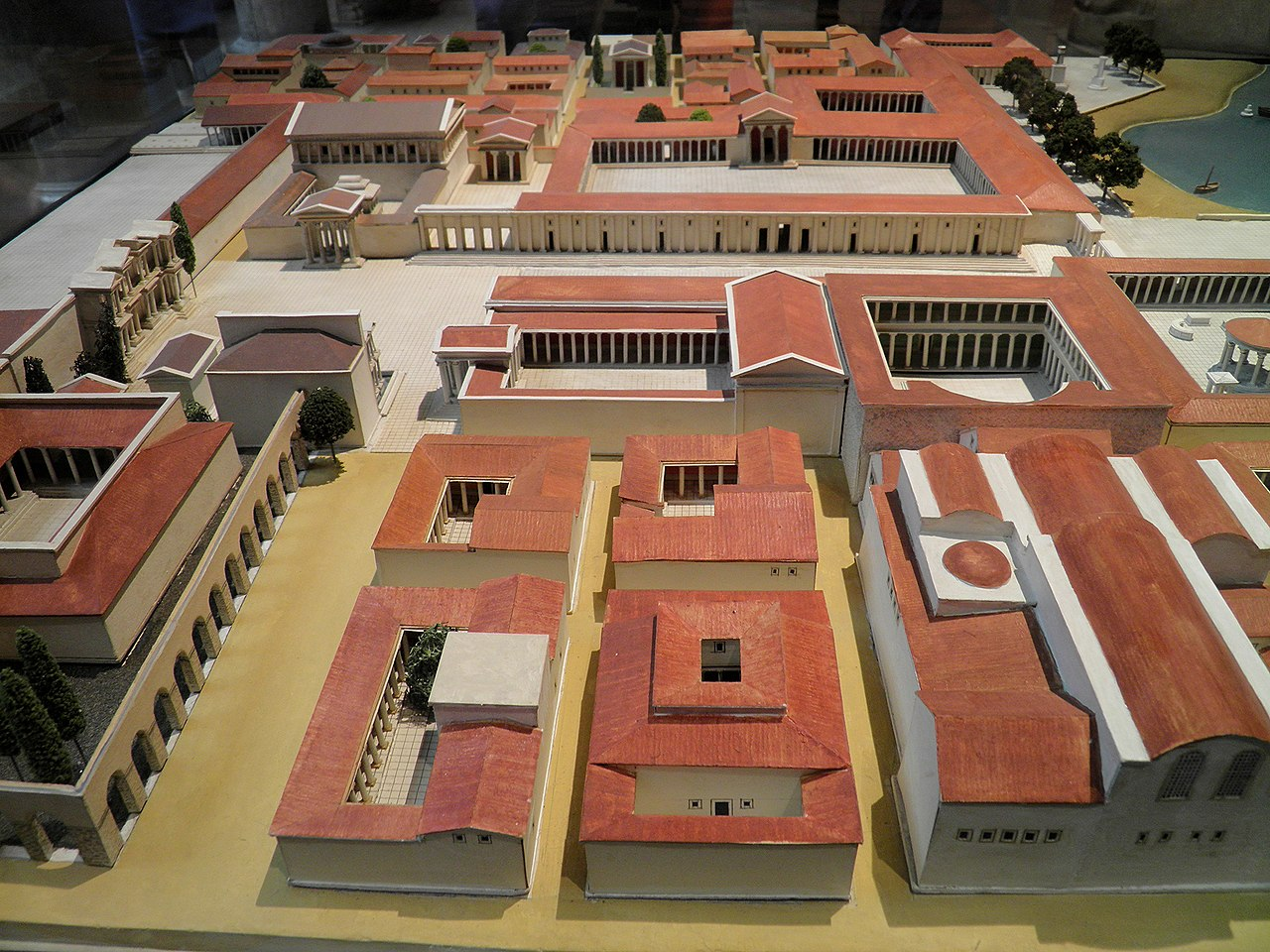 File:Maquette of Miletus during the Roman Imperial Reign ...