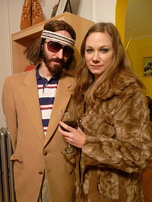The Royal Tenenbaums - Fans imitate the costumes of Richie and Margot Tenenbaum.