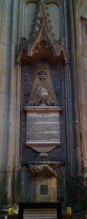 Josiah Tucker - Memorial to Josiah Tucker in Gloucester Cathedral