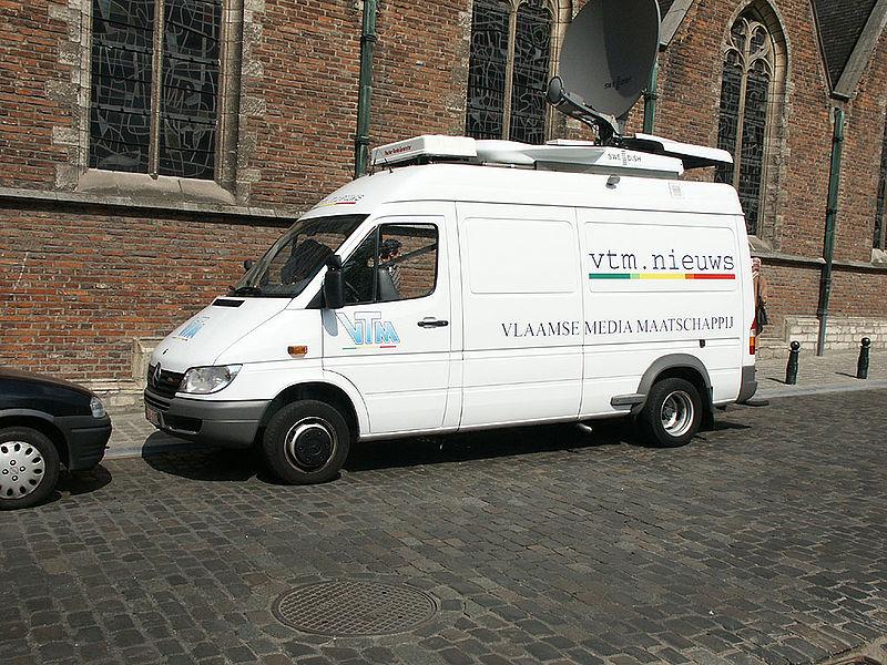 File:Mercedes Sprinter-VTM Nieuws-2004.04.15.jpg