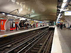Metro de Paris - Ligne 3 - Republique 01.jpg