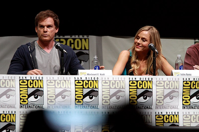 File:Michael C. Hall & Julie Benz.jpg