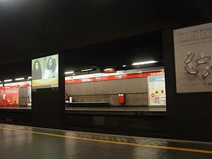 San Babila (Milan Metro) - Image: Milan Metro line 1 San Babila station 31 05 2014