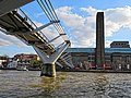 Millennium Bridge and Tate Modern 02.jpg