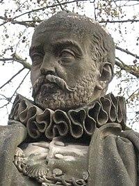 Statue de Michel de Montaigne, Esplanade des Quinconces à Bordeaux. Statue en marbre blanc réalisée par le sculpteur Dominique Fortuné Maggesi, en 1858.