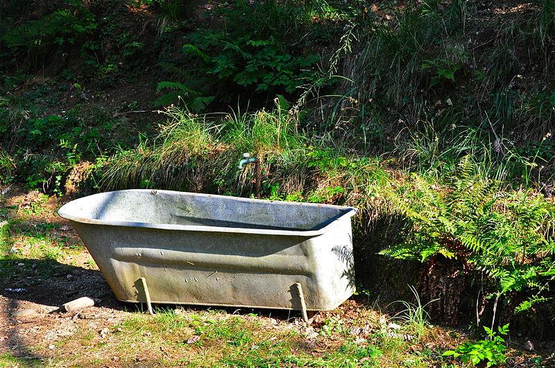 File:Monte Verità (Vasca da bagno).jpg - Wikimedia Commons