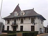 MontlhéryHôteldeVille.JPG