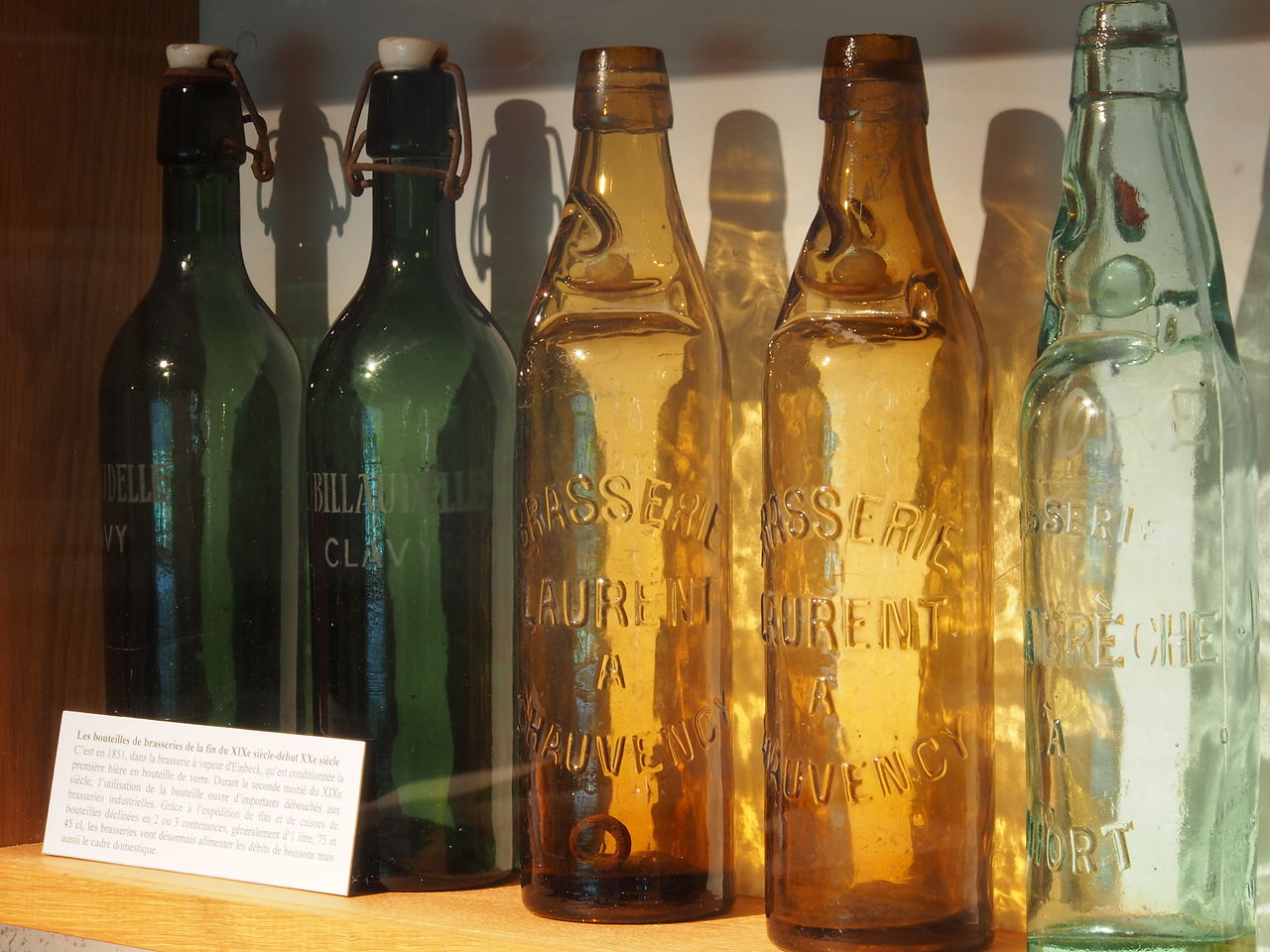 dating antique beer bottles Website dedicated to the selling, buying and collecting of antique beer items, aka breweriana, such as beer trays, signs, bottles, lithos, beer.