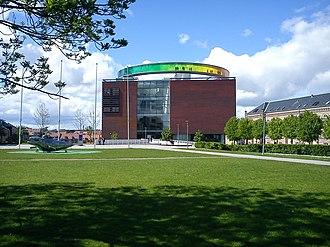 ARoS Aarhus Kunstmuseum - Image: Musikhusparken 06
