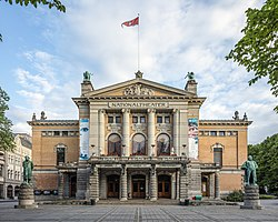 NOR-2016-Oslo-National Theatre.jpg