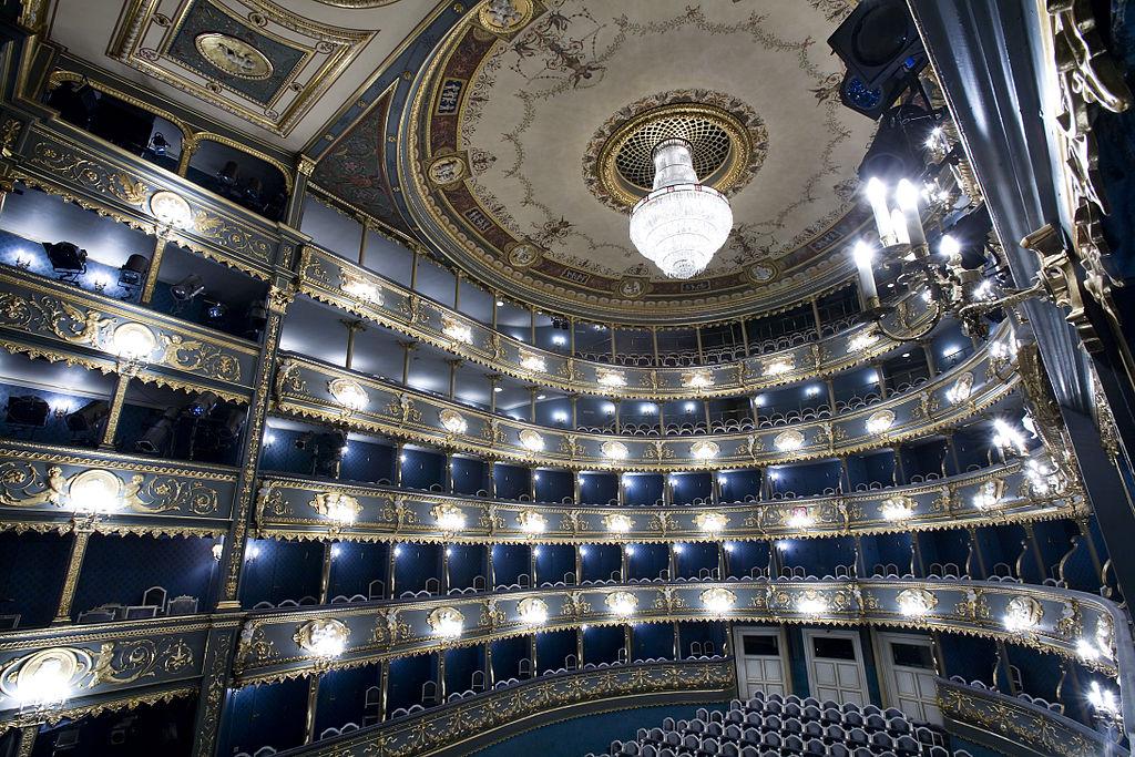 Intérieur de l'opéra Stavovské divadlo à Prague.