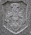 Neukirch Friedhof Grabmal Wappen Lührs.jpg
