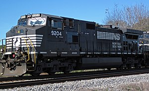 Norfolk Southern Railway - 9204 diesel locomotive (CW40-9) (north of Inaha, Georgia, USA) 1 (22813045600).jpg