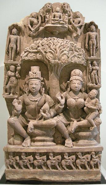 File:Nswag, india, madhya pradesh, stele con yaksha-yakshini e jinas, XI sec..JPG