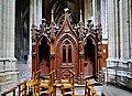 Orléans Cathédrale Sainte-Croix Innen Beichtstuhl 3.jpg
