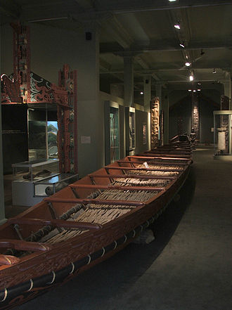 Waka (canoe) - A waka taua displayed at the Otago Museum, Dunedin