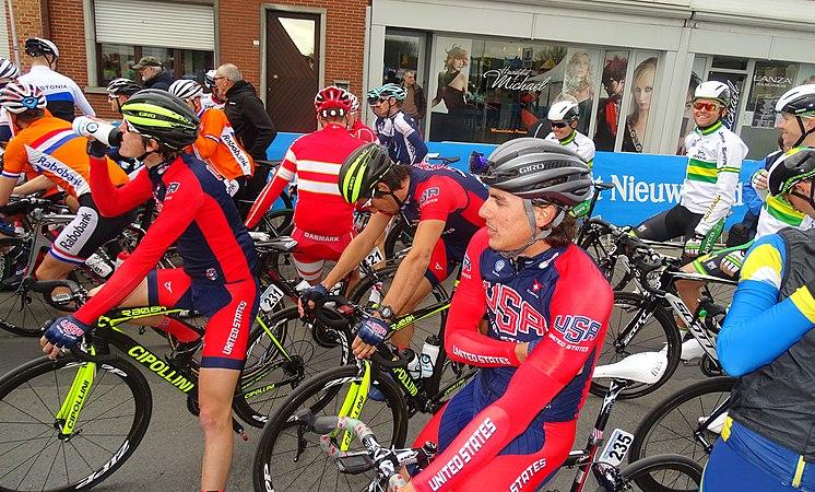 Oudenaarde - Ronde van Vlaanderen Beloften, 11 april 2015 (C03).JPG