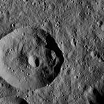PIA20315-Ceres-DwarfPlanet-Dawn-4thMapOrbit-LAMO-image25-20160106.jpg