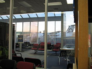 Pullman–Moscow Regional Airport - The post-security waiting area at PUW in July 2006