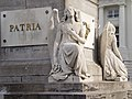 Pairs of angels, sculptures; Martyrs' Square - Place des Martyrs - Martelaarsplaats 3 (4040194500).jpg