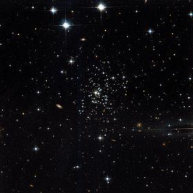 Palomar 1 Hubble WikiSky.jpg