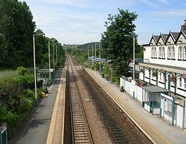 Pannal railway station in 2008.jpg