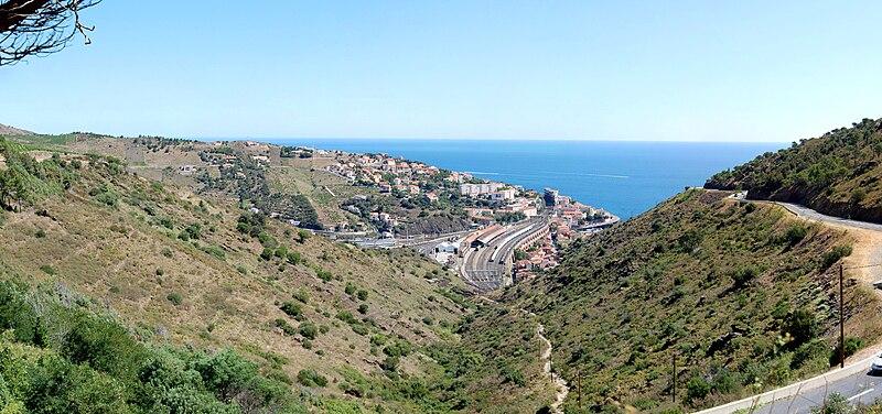 File:Panorama Cerbère depuis le col des Balistres.jpg