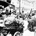 Paris flower sellers 1898.jpg