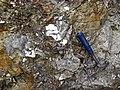 Pegmatitic granite (White Cap Pegmatite, Paleoproterozoic, ~1.7 Ga; White Cap Mine, east of Keystone, Black Hills, South Dakota, USA) 3 (23245158504).jpg