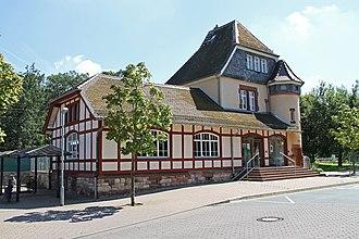Erzhausen - Image: Peter Stehlik 2010.08.21 a Ehemaliges Bahnhofsgebäude Erzhausen
