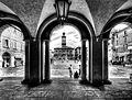 Piazza Prampolini dal Portico del Municipio.JPG