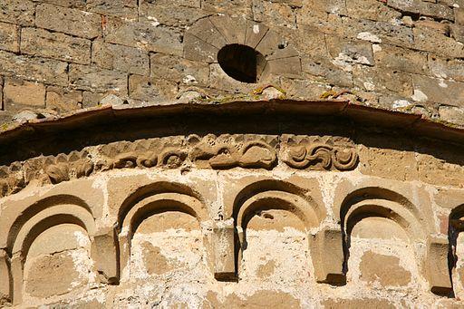 Pieve di Santo Stefano a Cennano. Absidi (particolare)