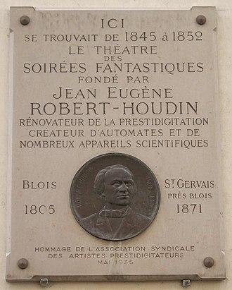 Jean Eugène Robert-Houdin - Commemorative plaque, 11 rue de Valois in Paris, where one could experience the Soirées fantastiques of Robert-Houdin
