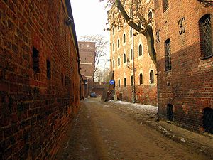 Poland Torun Leaning tower.jpg