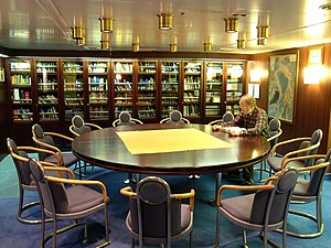 RV Polarstern - Library in the blue saloon