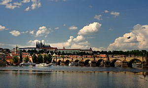 English: Prague castle and Charles bridge