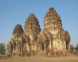 300px Prang Sam Yot Ayuthaya, and Lopburi, city of monkeys