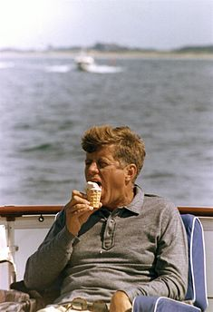 President Kennedy with ice cream cone, 31 August 1963.jpg
