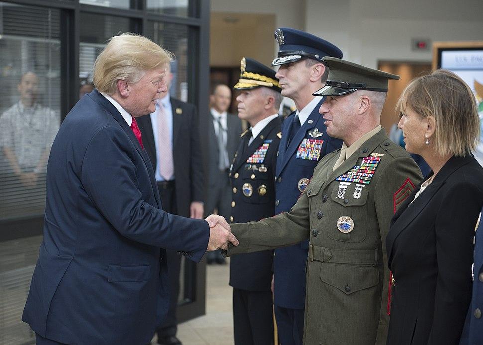 President Visits USPACOM 171103-N-WY954-042