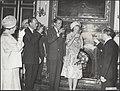 Prins Bernhard, Claus von Amsberg en prinses Beatrix heffen het glas, Bestanddeelnr 021-0481.jpg