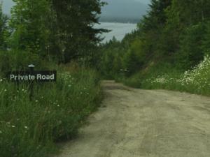 Private road - A private road in Canada.