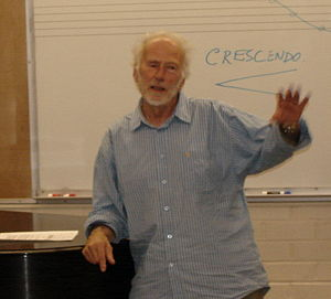 English: R. Murray Schafer in 2007 at the Univ...