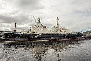 Lenin (1957 icebreaker) - Image: RUS 2016 Murmansk Icebreaker Lenin 01