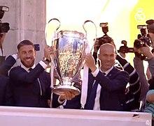 220px Ramos y Zidane con la Und%C3%A9cima Copa de Europa Real Madrid CF le plus grand club du monde