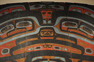 Formline art - Yéil X'eenh (Raven Screen) (detail). Attributed to Kadyisdu.axch', Tlingit, Kiks.ádi clan, active late 18th – early 19th century.