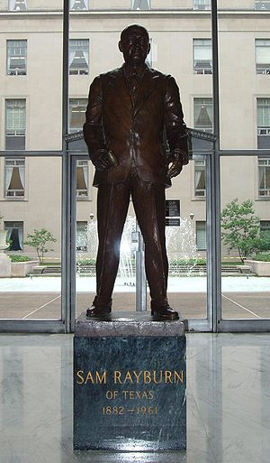 Rayburn House Office Building - A statue of Rayburn near the ground level courtyard