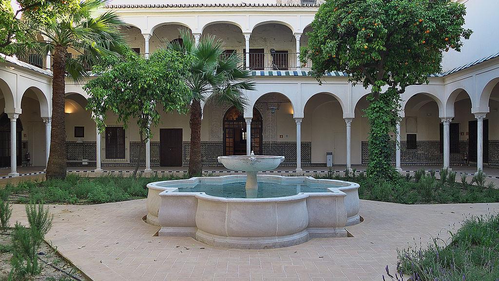 Cloître du monastère Santa Clara de Séville - Photo de José Luis Filpo Cabana