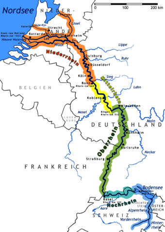 Map of Rhine River shows Dusseldorf and the Sieg and Lahn Rivers in the north and Strasbourg and Mannheim in the south. The colors different sections of the Rhine River: blue is the Alp Rhine and the Lake Rhine (where the river runs through Lake Constance); turquoise indicates the High Rhine (which runs east to west through of Lake Constance); The Upper Rhine (green) begins where the river takes a sharp turn at the Rhine Knee, and flows south to north; yellow designates the Middle Rhine (sometimes called Mittelrhein) and orange designates the Low Rhine, where the Rhine passes into the Netherlands and reaches the North Sea. Rhein-Karte.png