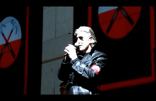Roger Waters The Wall Live 30 October 2010 Kansas City 8